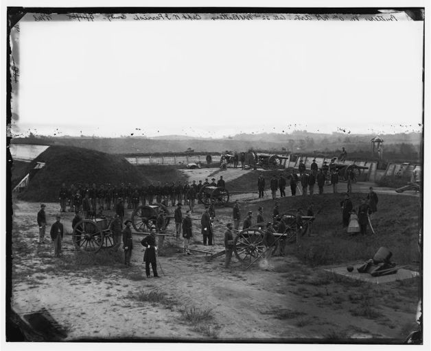 The 9th New York Heavy Artillery (Company M) manning the Washington Defences (Library of Congress)