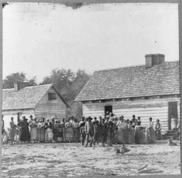 Former slaves in Beaufort, South Carolina shortly after Emancipation (Library of Congress)