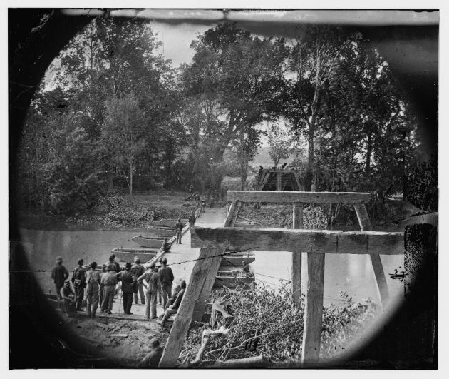 North Anna River, Virginia. Grant's engineers building a bridge, May 1864 (Timothy O'Sullivan/ Library of Congress)