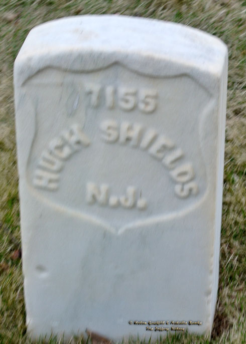 The grave of Hugh Shields in Marietta National Cemetery, Georgia (Photo: Helen Jeffrey Gaskill)