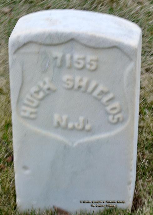The grave of Hugh Shields in Marietta National Cemetery, Georgia (Photo: Helen Jeffrey Gaskill)