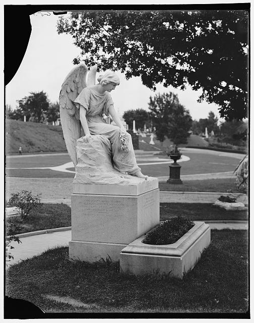 Memorial to Winnie Davis, Hollywood Cemetery, Richmond (Library of Congress)