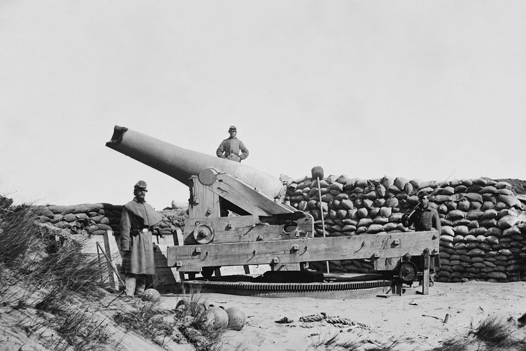 A damaged Confederate gun in Fort Fisher (Library of Congress)