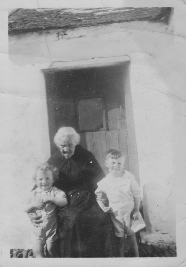 Another image of Biddy, taken with some of the younger generations of her family. Without the events of the American Civil War, she would likely have never returned to Dingle (Mossy Donegan)