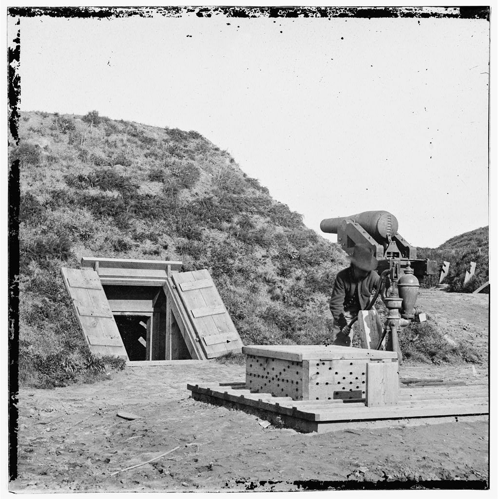 The interior of Confederate Fort Darling (Library of Congress)