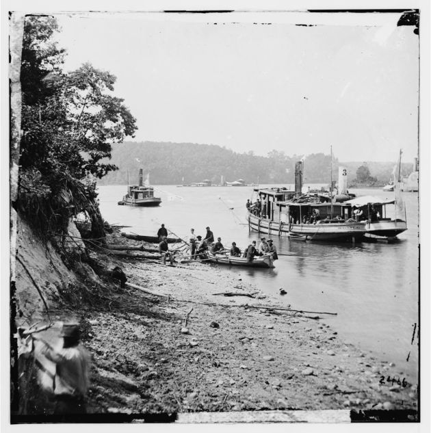 The transport Linda of Philadelphia and possibly Onondaga in the background (Library of Congress)