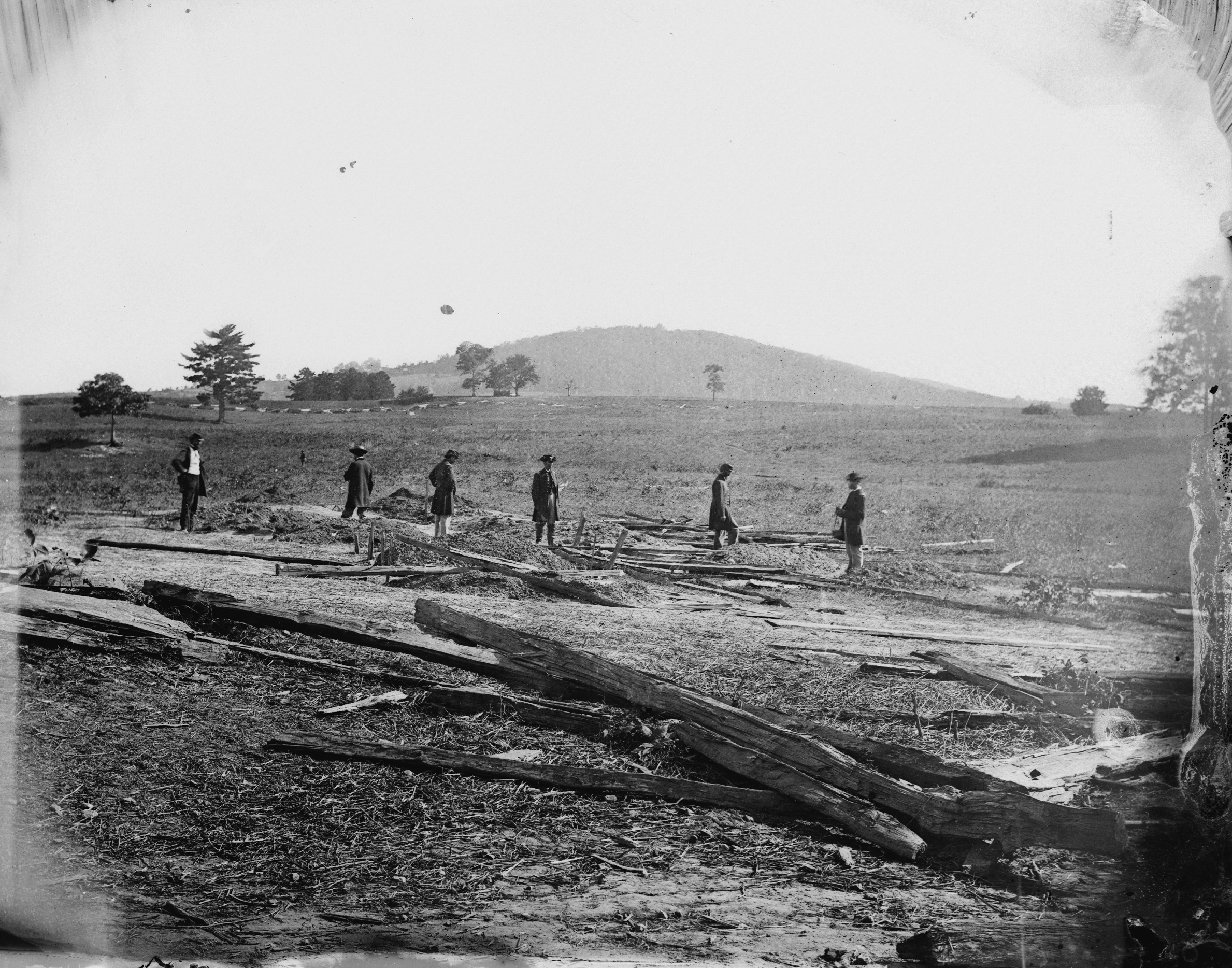 Union graves on the Cedar Mountain battlefield (Library of Congress)