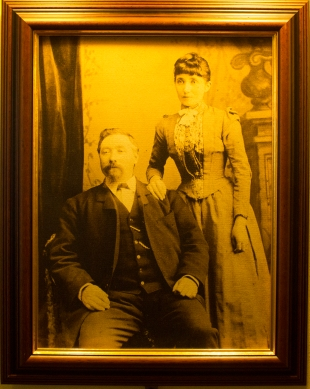 An image of Humphrey Lynch and his wife which hangs in The Cotton Ball pub (Damian Shiels)