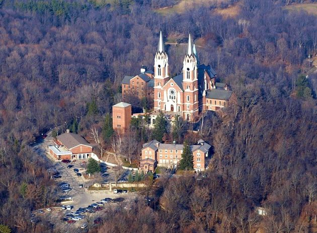 Holy Hill Basilica, visible from the Erin Hills course, is an important Catholic shrine in the region that was frequented by the 19th century Irish community in the area (Shoelace414 via Wikipedia)