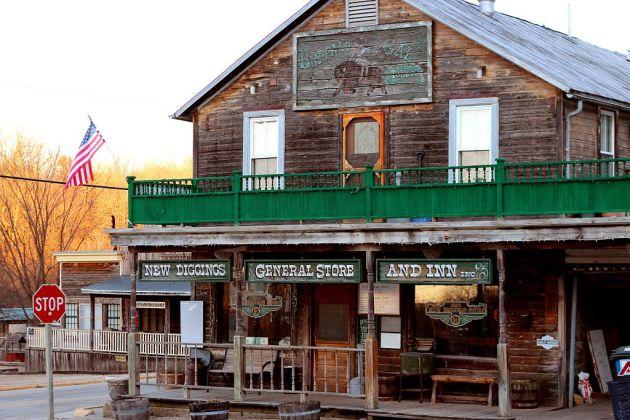The New Diggings General Store & Inn, New Diggings, Wisconsin (Wikipedia)